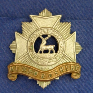 WWI Bedfordshire Regiment Cap Badge